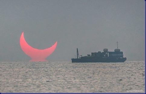 sunrise-red-horns-solar-eclipse-elias-chasiotis-3-5e1326b7426bb__700